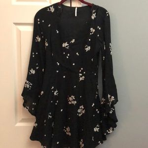 FREE PEOPLE DRESS BLACK/WHITE, BELL SLEEVE, SIZE 2